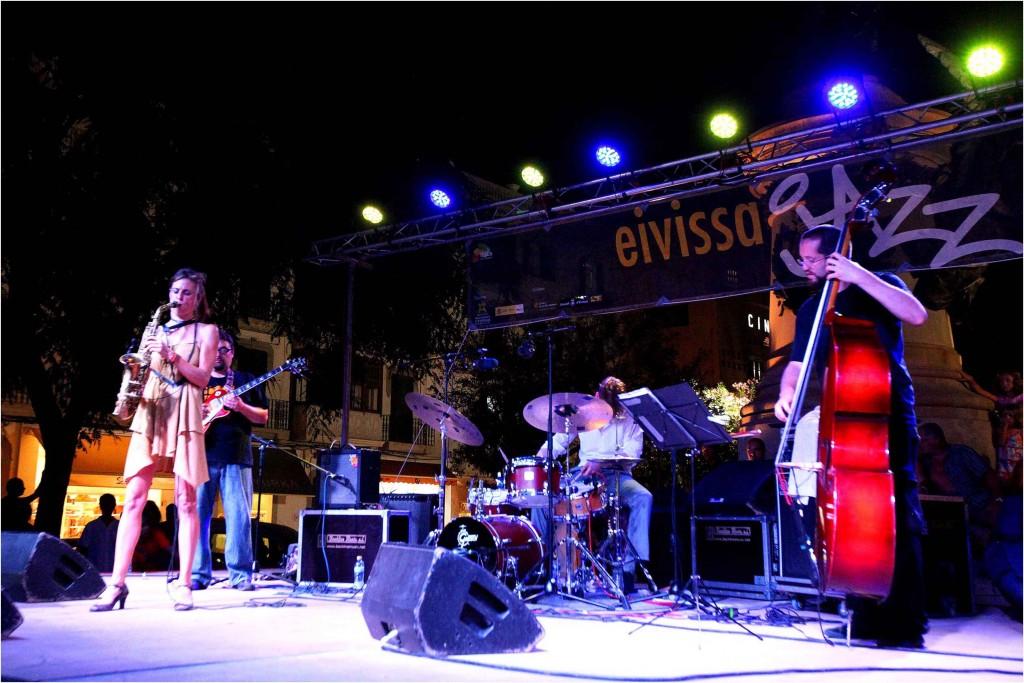 Muriel Grossmann /Radomir Milojkovic / Robert Landfermann / Christian Lillinger live on Eivissa Jazz Festival 2011